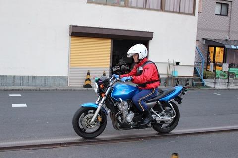 バイクの教習で低速糞難しくね?
