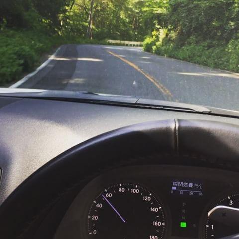 【悲報】燃費の悪い車はリッターなんキロ走れる?