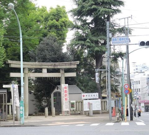 【社会】夫が事故死の交差点、地蔵に毎日お参り 妻はねられ死亡…愛知県一宮市