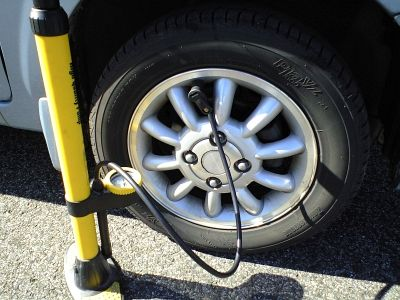 車の空気圧は235kpaがちょうど良いわ