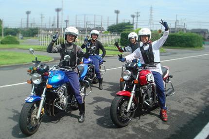 バイクの教習でプロテクター着けてたけど実際免許取って乗る時にもつけてる人いるん?