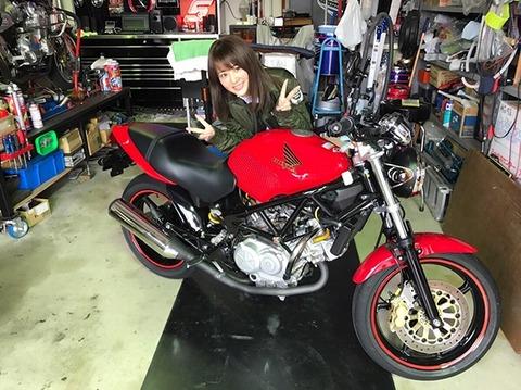【アイドル】元AKB48平嶋夏海「お父さんが『車の運転がヘタなヤツはすべてがダメ。仕事もできない』って(笑)」