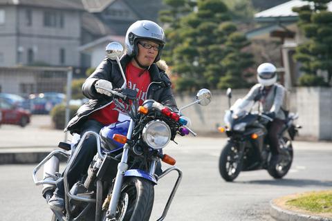 スポーツカー乗るつもりで教習所通ってるうちにバイクも欲しくなったんだが