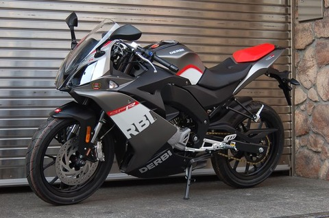 この格好いいバイクが50ccで原付だからねwwwwwwwwwww