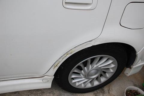 お家の車に傷つけちゃった(´;ω;`)親にバレない方法教えて(´;ω;`)