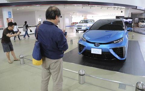 トヨタ「2050年までにガソリン車を無くす」