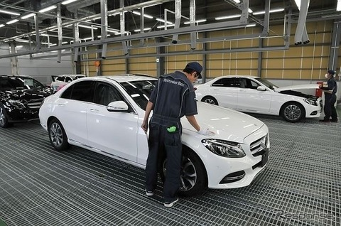 自動車工場で働き始めたんだけどさ、数秒で0.05ミリの傷10箇所見つけろって無理だろ