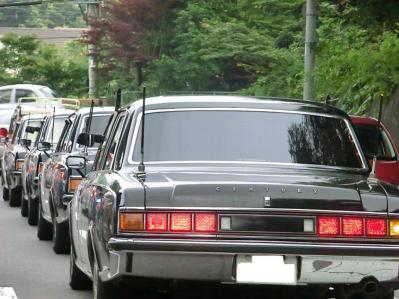 バブルの頃の自動車なんか若者全員トランクにアンテナ付けてたんだぜ?
