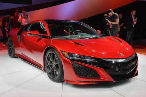 ホンダ新型「NSX」日本仕様は新型GT-Rの倍以上?速さは大して変わらないのに2000万円超え確定か!?