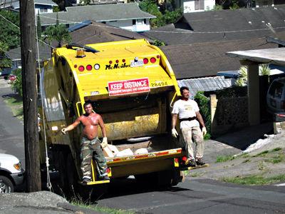 ゴミ収集車の運転の仕事って楽なの?