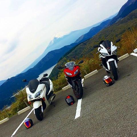 トーチャン「ホンダ」 カーチャン「ヤマハ」 新人バイク乗りぼく「」