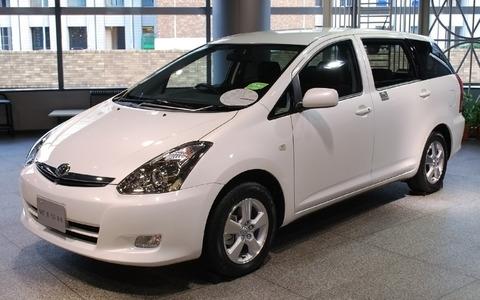 Toyota_Wish_02