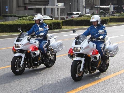 白バイいると事故が減る。千葉県警白バイ集中投入でデータ裏付け。車カス見られてる気がしてイライラw