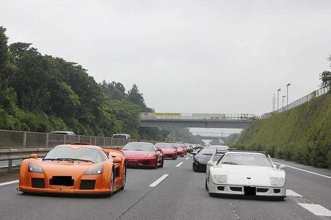 高級スポーツカー乗り「この車超速いwww」←これwww