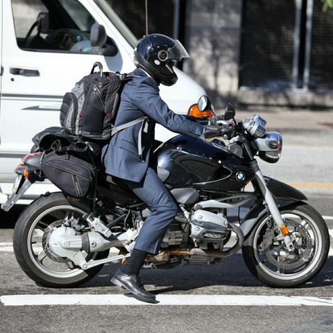 毎日通勤で往復410kmもの距離をバイクで走行してるんだが異端か?