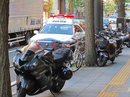 【バイク】駐車禁止の対象から自動二輪車を除外、道路状況に応じて 警察庁が通達