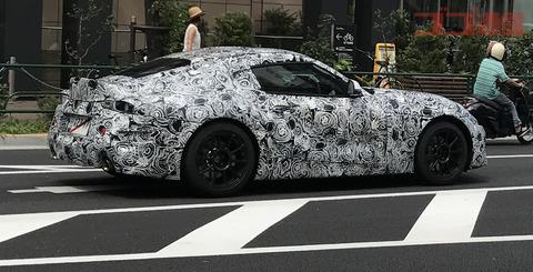 【未発表】気持ち悪いデザインのスープラが公道を走行しているのが目撃される モーターショーで発表?