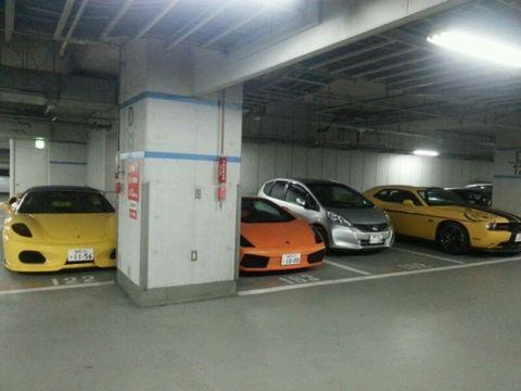 福岡行ったらベンツ、BMW、アウディ、クラウン、ハリアーとか高級車がめちゃくちゃたくさん走っててワロテッツァww