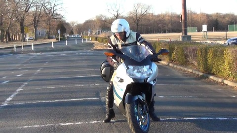 アホ「バイクは渋滞の時にエンストする可能性があるからスクーターの方がいい」←これ