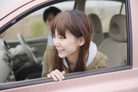 今日首都高デートしたんだけど軽自動車が走ってるの見て彼女爆笑してた