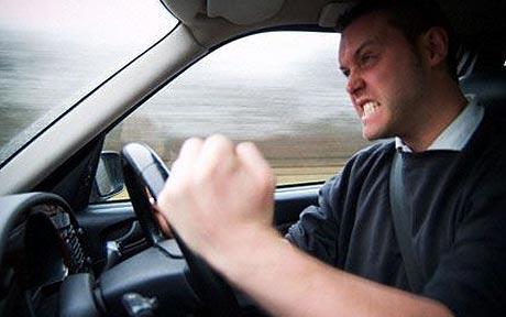 車を運転しててムカつく運転手