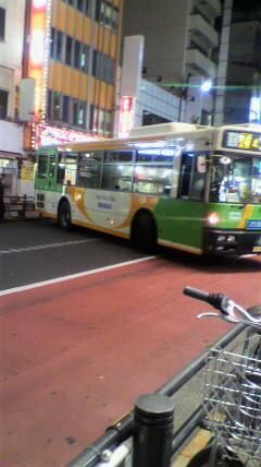 【画像あり】 都営バスの運転テクが凄すぎて話題にwwwwwwwwwwwwwwwwww