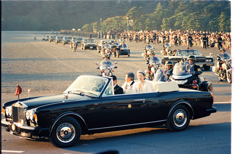 4千万円の宮内庁オープンカー、2回しか使ってないのに廃車寸前 部品がなく、車検も通しておらず