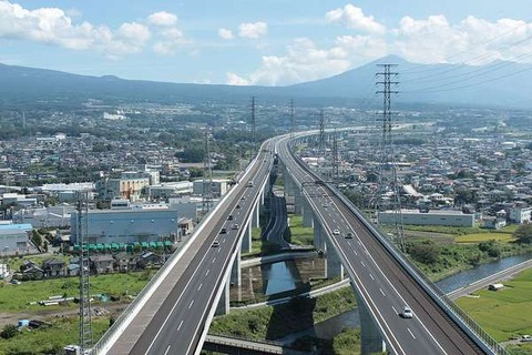 【滋賀】新名神を161キロで走行 容疑の男、出頭せず逮捕
