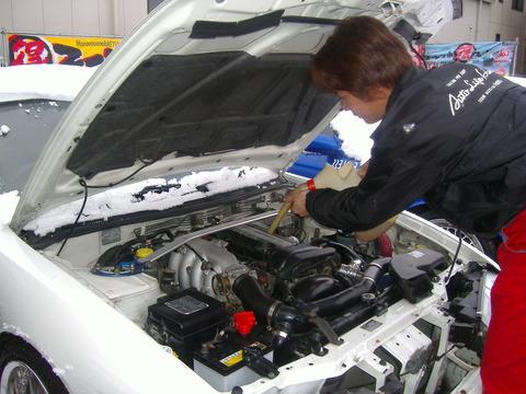 車のエンジンオイル交換の大事さをもっと教えるべきだろう。3000kmに1回だ!