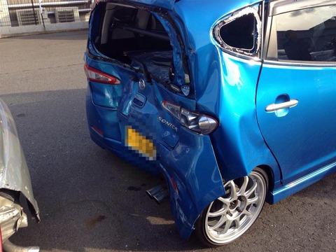 追突事故で車廃車にされたら相手からどんだけ金貰えるンゴ?