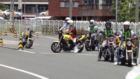 バイク教習面白すぎワロタ