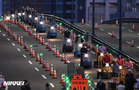 【まるでパレード】築地から豊洲へ。フォークリフト500台とターレ2100台が環2を通って移動。