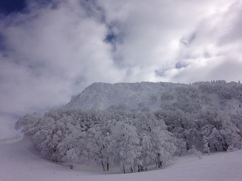 snow-mountain-661308_640