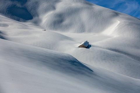 snow-4692469_640