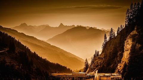 mountains-833326_640