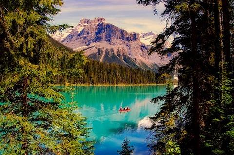 emerald-lake-2406054_640