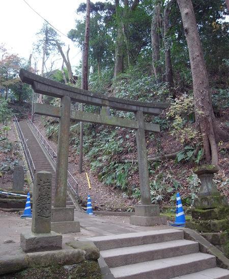 円覚寺151223弁天堂参道