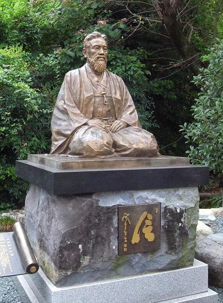 鉄舟寺・山岡鉄舟像