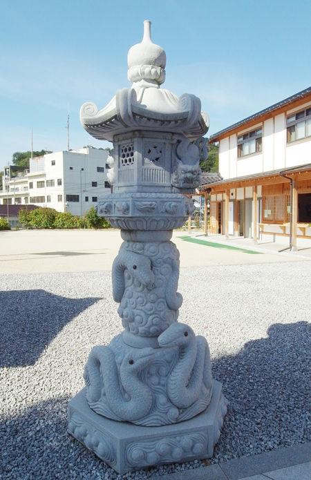 白蛇神社2