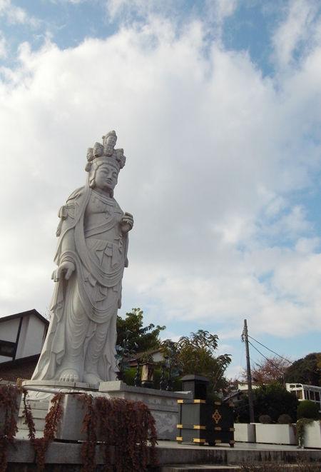 三宝寺・平和観音