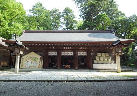 雄山神社・前立社檀5