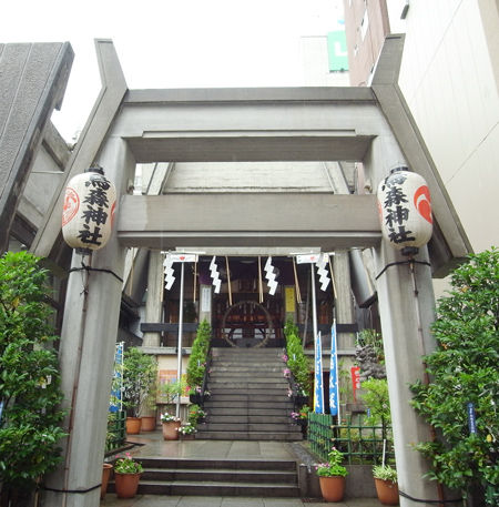 烏森神社・鳥居1