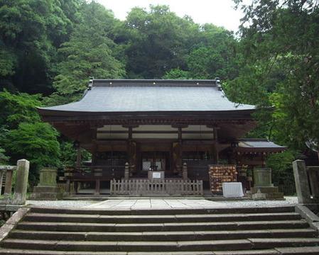 金鑚神社・拝殿