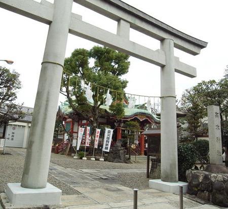 高木神社境内