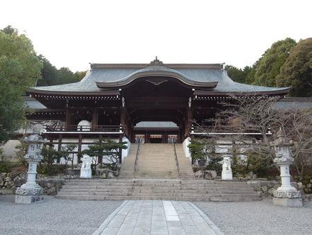 近江神宮・外拝殿