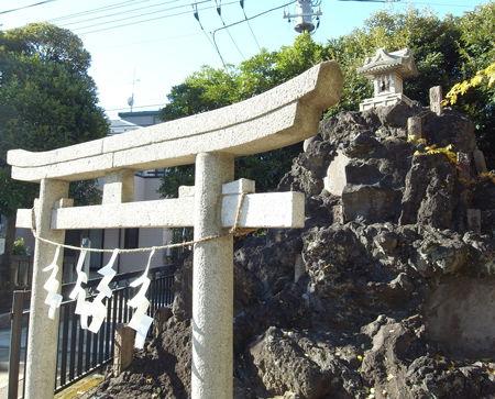 綾瀬稲荷6