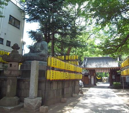 品川寺・門前