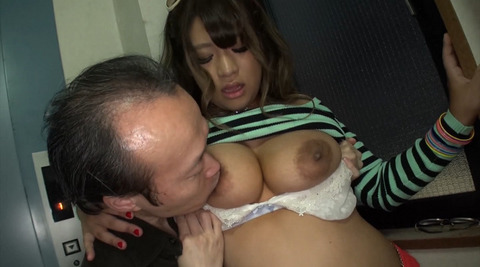 舞野いつき デカ尻ベロちゅうザーメンぶっかけ褐色ギャル  (2)