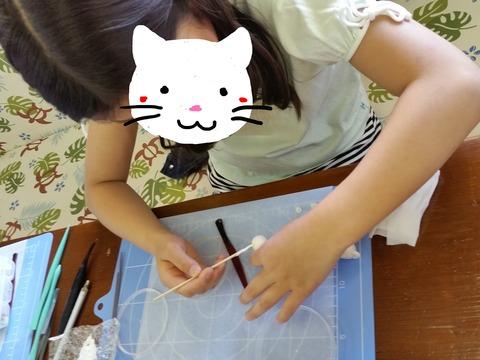 顔隠し白ネコちゃん作製中1