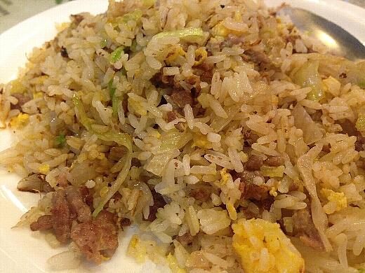 そして、初日の〆は「翠華餐廳(スイカレストラン)」で。野菜入り焼飯は所謂レタス炒飯。安心する味ですw